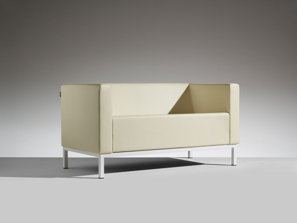 LAMM Polo Sofa | Woodwood Group