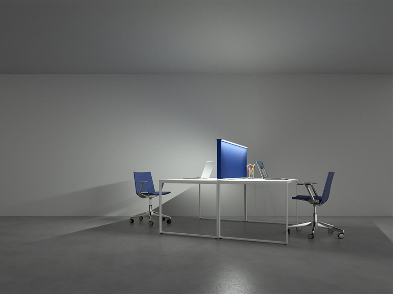DESK DIVIDER LED TASK LIGHT | WOODWOOD GROUP